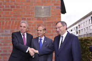 v.l.n.r. Oberbürgermeister Jürgen Roters, Botschafter Yakov Hadas-Handelsman, Abraham Lehrer (Foto: Y. Shermayahu)