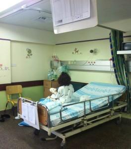 Syrisches Mädchen im Rambam-Krankenhaus (Foto: Rambam)