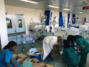 Israelische und deutsche Ärzte im Jakaya Kikwete Cardiac Institute (Foto: SACH)