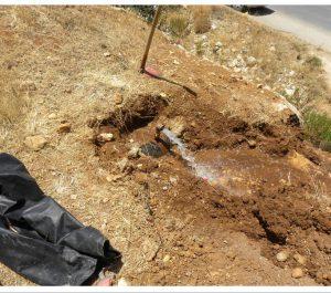Manipulierte Leitung mit versickerndem Wasser bei Hebron (Foto: Israel Water Authority)